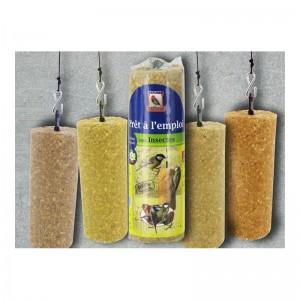 cylindre-graisse-vegetale-aux-cacahuetes-insectes-vers-de-terre- (2)
