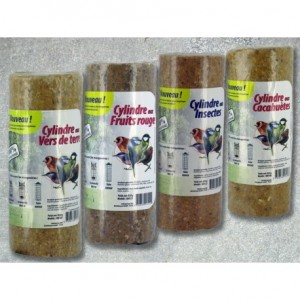 cylindre-de-graisse-vegetale-aux-fruits-rouges-insectes-cacahuetes